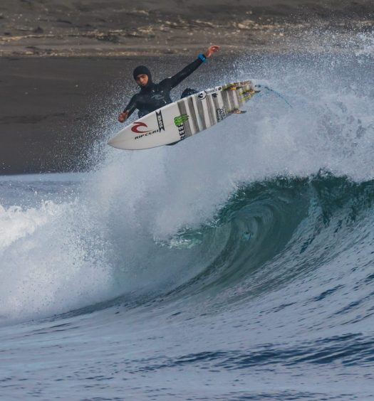 RipCurlProTheSearch_GuillermoSatt_©Luis_Barra -