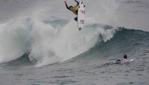 Danilo Cerda gana en Iquique y lidera Circuito Nacional de Surf